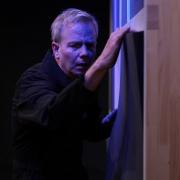 LASSEN SIE MEINE WÖRTER IN RUHE! von Franz Hohler im Theater Matte Bern (2018-2019). Markus Maria Enggist als Halbstein.